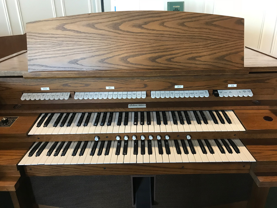 Allen Organ 420 $4,100 2 manual with 7 general pistons