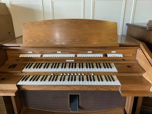 Allen Organ 420 - $4,100 - two manual, 7 general presets with 2 memories, self-contained audio system.